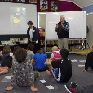 Warren Agnew teaching children about conservation